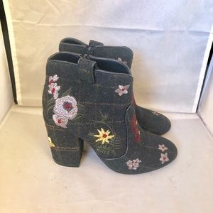 Indigo Rd. Embroidered plaid ankle bootie 7